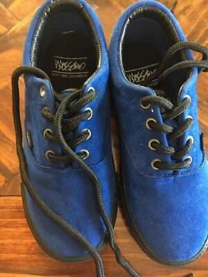 New - Boys Mossimo Blue Suede Sneakers Sz 11 narrow Shoe