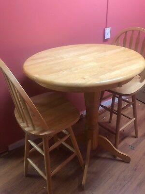 Beautiful Oak table and chair set