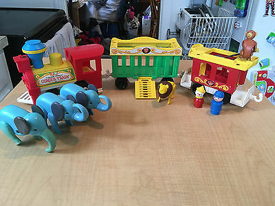 Vintage FISHER PRICE LITTLE PEOPLE Circus Train 991