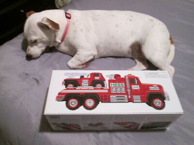 2015 Hess Christmas Fire Truck  And Ladder Rescue New In Box