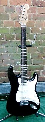 SQUIER by Fender Affinity STRAT Electric Guitar in Black Stratocaster Squire
