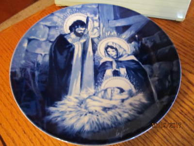 """Avon Fine Collectibles """"the Holy Family""""1991 Porcelain Collector Plate"""