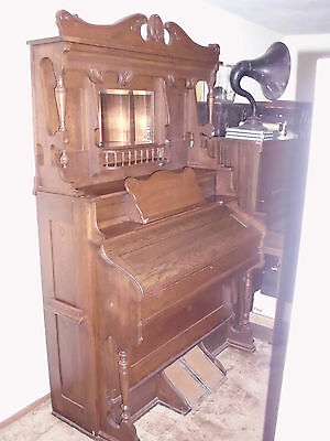 Antique Hamilton Pump Organ