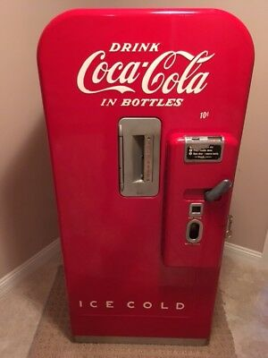 Vintage Coca Cola Vendo 39 Vending Machine Mint Condition
