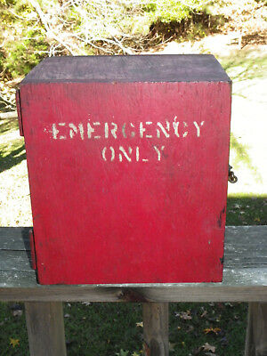 """Vtg Red-Painted Wooden """"Emergency"""" Call Box-Hinged & Hook Latch Door-Homemade?"""