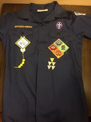 Boy Scouts of America BSA Cub Scout Shirt Youth Medium Uniform Patches