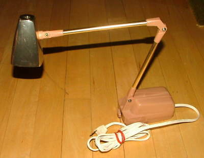 Vtg Mid Century RETRO High Intensity Extension Arm Desk or Hanging Wall Lamp