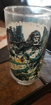 1976 Limited Edition King Kong Glass~Straddling New Yorks Twin Towers~Coca Cola-