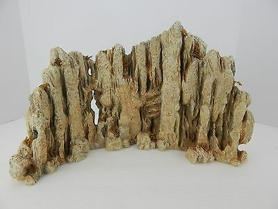 Dept 56 Little Town of Bethlehem Limestone Outcropping Backdrop #59911 Nice