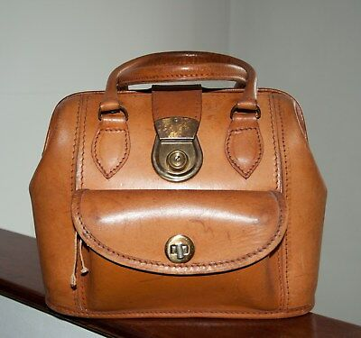 Vintage Leather Woman Medium Front Foxy Buckle Bag