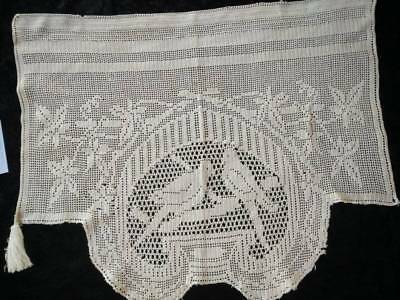 Antique MARY CARD Filet Hand Crochet ~ 'Love Birds' Scarf End/Runner/Bureau End