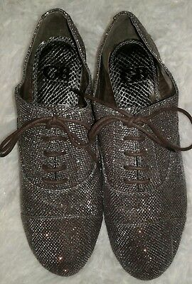 Gianni Binni Womens Silver Lace Flat Shoes Size 8.5 New without tags