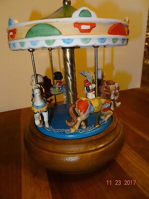 Vintage Musical Spinning Carousel Peanuts Music Box, Snoopy by Schmid, VERY RARE