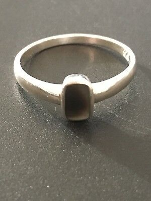 Vintage Solid Silver Solitaire Ring Size R-1/2 Colour Changing Gem Stone