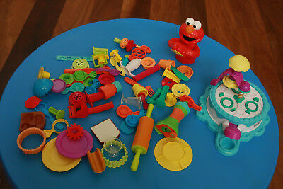 VGC Bulk lot assorted play doh accessories - VGC massive toy cleanout