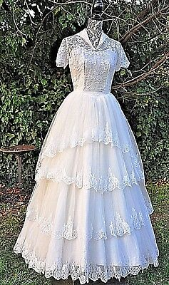 "VINTAGE 1950s ""KAIORA"" AUST MADE CHANTILLY LACE TULLE WEDDING GOWN SZ S"
