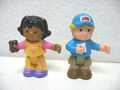 2 FIGURINES ARTICULées LITTLE PEOPLE PERSONNAGE MIA ET EDDIE FISHER PRICE F55
