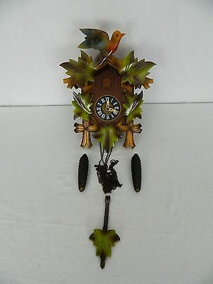 Vintage West Germany Green Leaves Cuckoo Clock E. Schmeckenbecher Black Forest