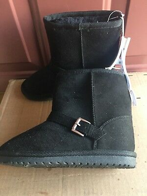 New the children's place girl's ankle winter boot size 11 black