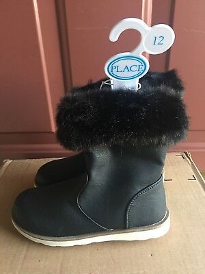 New the children's place girl's ankle winter boot size 2 black