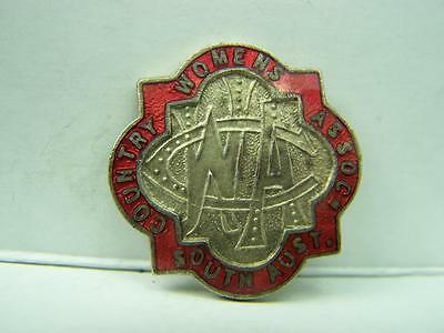 Vintage CWA Country Womens Association South Australia pin back badge c1920s 378