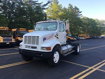2000 International Tractor 8100 Single Axle Cummins 10 Speed Fuller Day Cab
