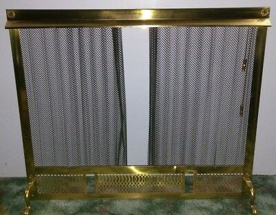 Vintage BRASS Stand FIREPLACE cover SCREEN w/Pull Chain RETRACTABLE MESH Guard