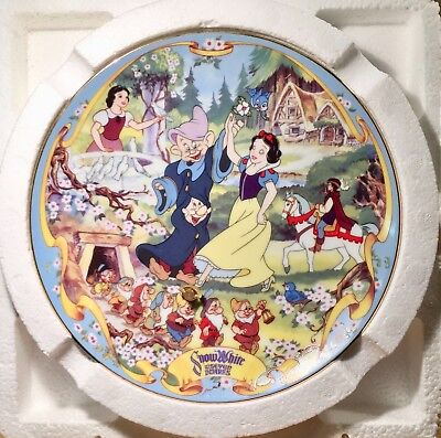 Disney Snow White Musical Memories 1995 Collector Plate Limited Ed. + COA & BOX