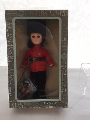 Effanbee International  Collection Doll England/Coldstream Guard 1985s - NEW