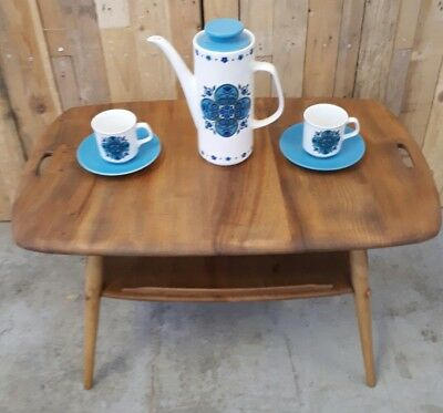 A STUNNING 1960s ERCOL BUTLERS TRAY/COFFEE TABLE MID CENTURY VINTAGE RETRO