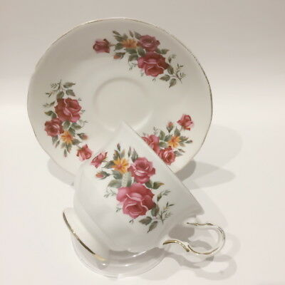 🌟 Duo Tea Cup & Saucer Queen Anne 8628 Burgundy Roses Bone China