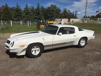 """Chevrolet: Camaro Z28 ONLY 88,000 MILES!  """"NUMBERS MATCHING""""  MINT INSIDE AND OUT! IN CALGARY ALBERTA!"""