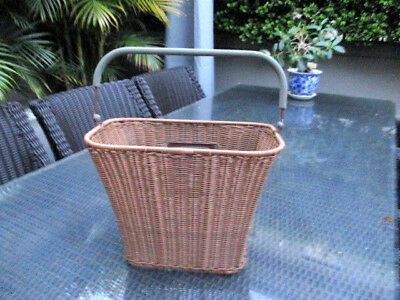 Plastic Wicker Look Front Bike Basket - Brown with Handle 33cm w x 25cm H