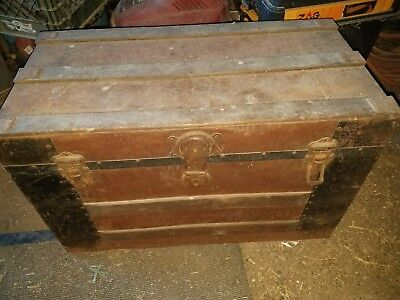 Vintage Stagecoach Trunk With Shelf