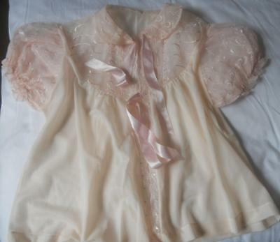 Vintage 1950's Peachy Pink Nylon Puff Sleeve Bedjacket Embroidered Lace Trim W