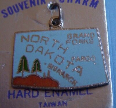 Vintage enamel North Dakota state map ND silver tone charm