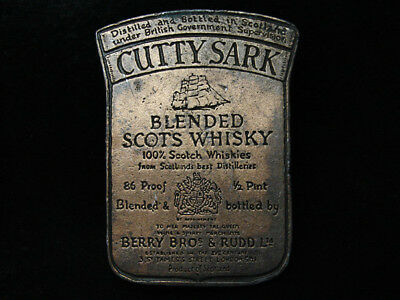 PG03138 VINTAGE 1970s **CUTTY SARK BLENDED SCOTS WHISKY** BRASSTONE BELT BUCKLE