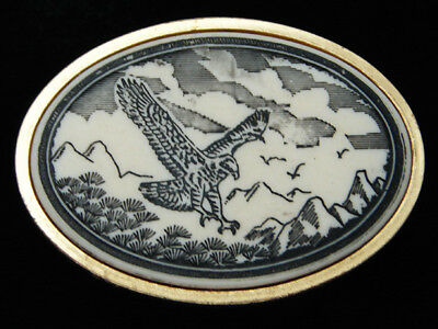 QF03108 VINTAGE 1970s **AMERICAN BALD EAGLE** SCRIMSHAW ART COMMEMORATIVE BUCKLE