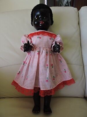 Doll vintage negro Pedigree, made in England, 55cm tall