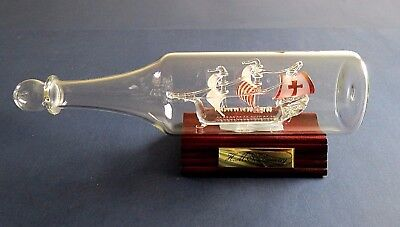 """Ship in a Bottle """" H M S Discovery """" Glass Ship Home Decor Collectable - England"""