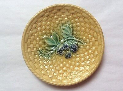 Antique Majolica Blackberries & Leaves on Basketweave Butter Pat c.1800's, gm895