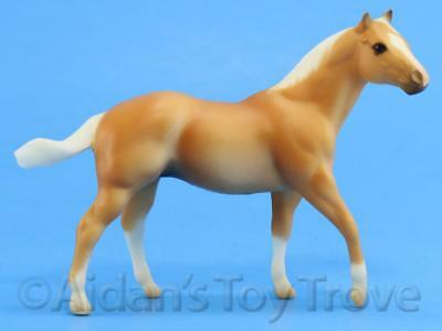 Breyer Stablemates Model Horse - 10103 Palomino G1 QH Stallion - Seabiscuit Set