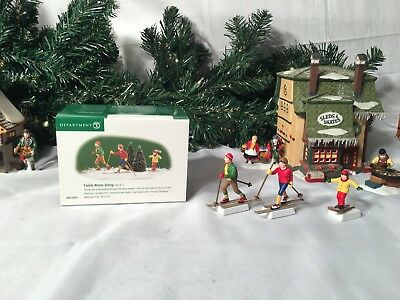 New Department 56 North Pole Series Family Winter Outing #56.55033 Accessory