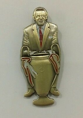 Manchester United Matt Busby 1968 European Cup winners bronze pin badge quality