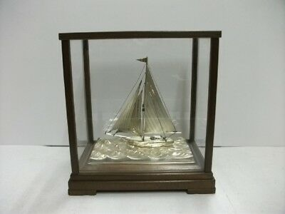 The sailboat of Silver of Japan. #44g/ 1.55oz. Japanese antique