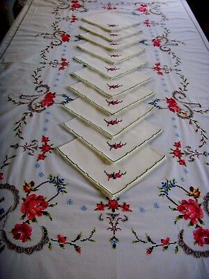 Beautiful Vintage Large Hand Embroidered Tablecloth & 10 Napkins Roses Lace
