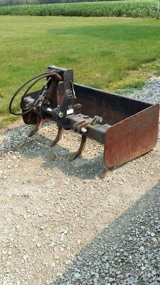 "2G1-48 Gearmore Box Scraper 48"" with fixed tailboard and hydraulic operated scar"