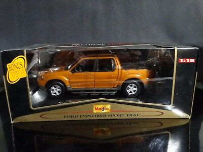 Maisto Ford Explorer Sport Trac Pickup Truck 1:18 Scale Diecast 2000 Metal Model