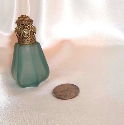 Beautiful Vintage Teal Color Glass Perfume Bottle Gold Tone Cap, Very Detailed!