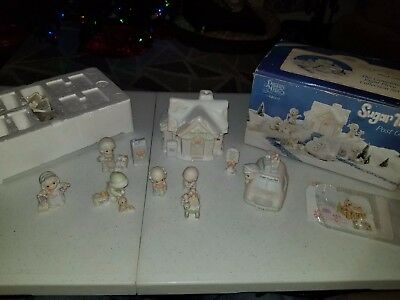 1998 VTG Precious Moments Sugar Town 12pc Lighted POST OFFICE (Missing Goose)